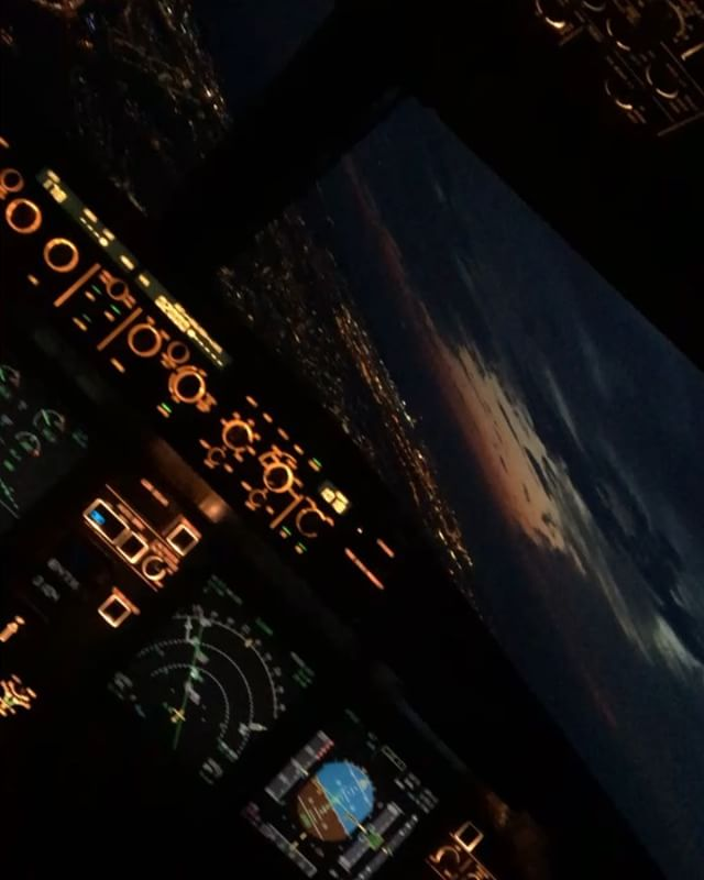 amsterdamcockpitvieweurowingseurowingscrewwingsfamilylovemyjobairbus320bestjobever - Be Lufthansacom Bewerbung