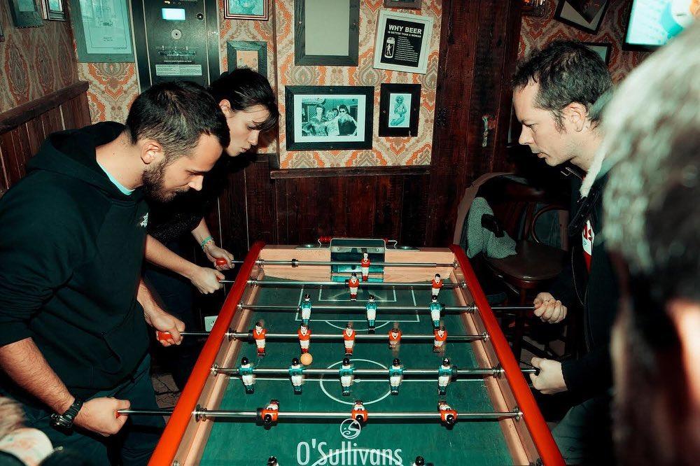 Team #billard, #babyfoot ou #beerpong ?? 🎱 Ces activités vous attendent au @osullivanschatelet  . . . . . . . . #OsullivansParis #OSgroup #barparis #billardparis