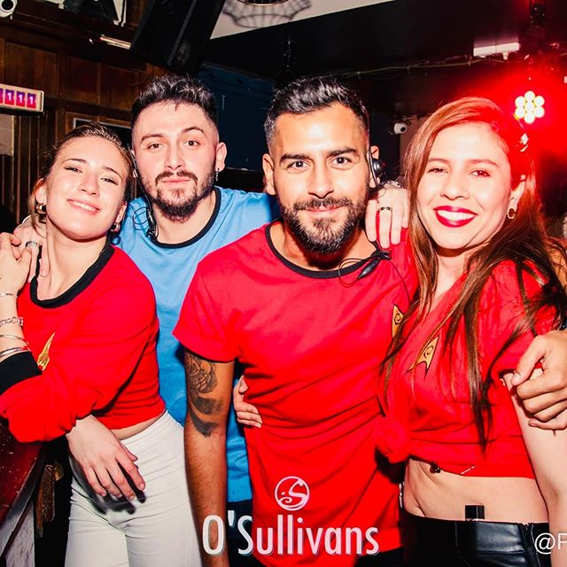 🌶 UNA MAS 🌶 . Ce soir rejoins nous pour la #latinonight au O'Sullivans Grands Boulevards ! Viens danser sur des sons #caliente . 🎧 DJ set by @dj_badwil ⏱ From 9pm to 4.30am 💵 Entrée gratuite . Plus d'informations sur notre évent Facebook ▶️ Link in BIO