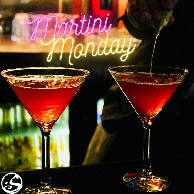🍸MARTINI MONDAY ! 🍸⠀ - - ⠀ 😜 Lundi c'est mon(day) ! Commencez la semaine sûr une bonne note ! 💯⠀ 🍹 Cocktails à partir de 8€⠀ 🥃 Cocktails sans alcool - 6€⠀ - - ⠀ 🍸Cosmopolitan isn't just for reading! 😉⠀ 🍹Start Monday off with cocktails starting at 8 € and non-alchololic at 6€! ⠀ 🍻 Happy Hour - 17H - 23H 🍻⠀ - - ⠀ #osgb #osullivans #irish #irishpub #bar #martini #martinimonday #monday #mondaymotivation #happyhour #afterwork #cocktail #paris #grandboulevards