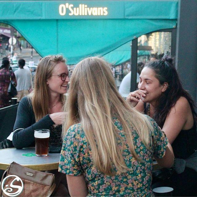 WEEKENDS WERE MADE FOR CATCHING UP ! ⠀ - - ⠀ ☀️ Profitez des derniers jours de l'été et de soleil sur nos nouvelles terrasses ! ⠀ 🎧 SAMDEI SOIR - DJ à partir de 23H jusqu'à fermeture. ⠀ ⚽️ DIMANCHE SOIR - Match de Football - PSG vs Marseille à 21H ⠀ - - ⠀ Réservations Possibles ⠀ 📱 0767399874 ⠀ 📩 events.gb@osullivans-pubs.com⠀ - - ⠀ #osgb #osullivans #grandsboulevards #Paris #irish #irishpub #bar #weekend #friends #amis #livedj #football #psg #sortieparis #cheers